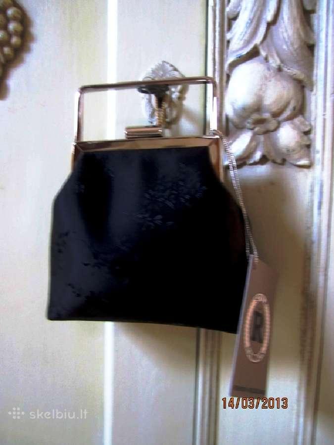 Miniatiūrinis rankinukas nepakeičiamas aksesuaras