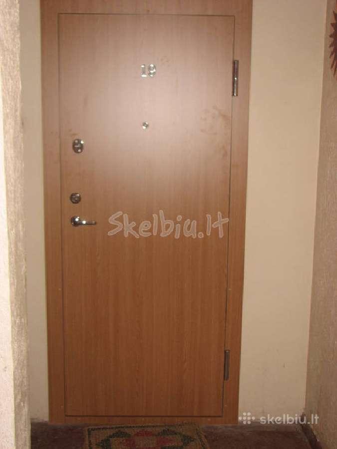 Akcija buto durys su dviem spynomis 290eu