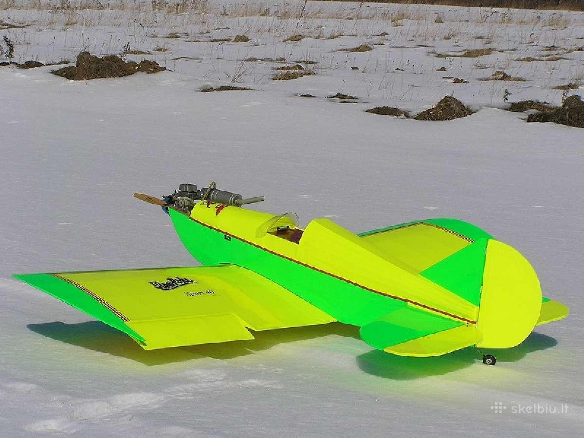 Parduodu: du Rc radio valdomus lėktuvų modelius.