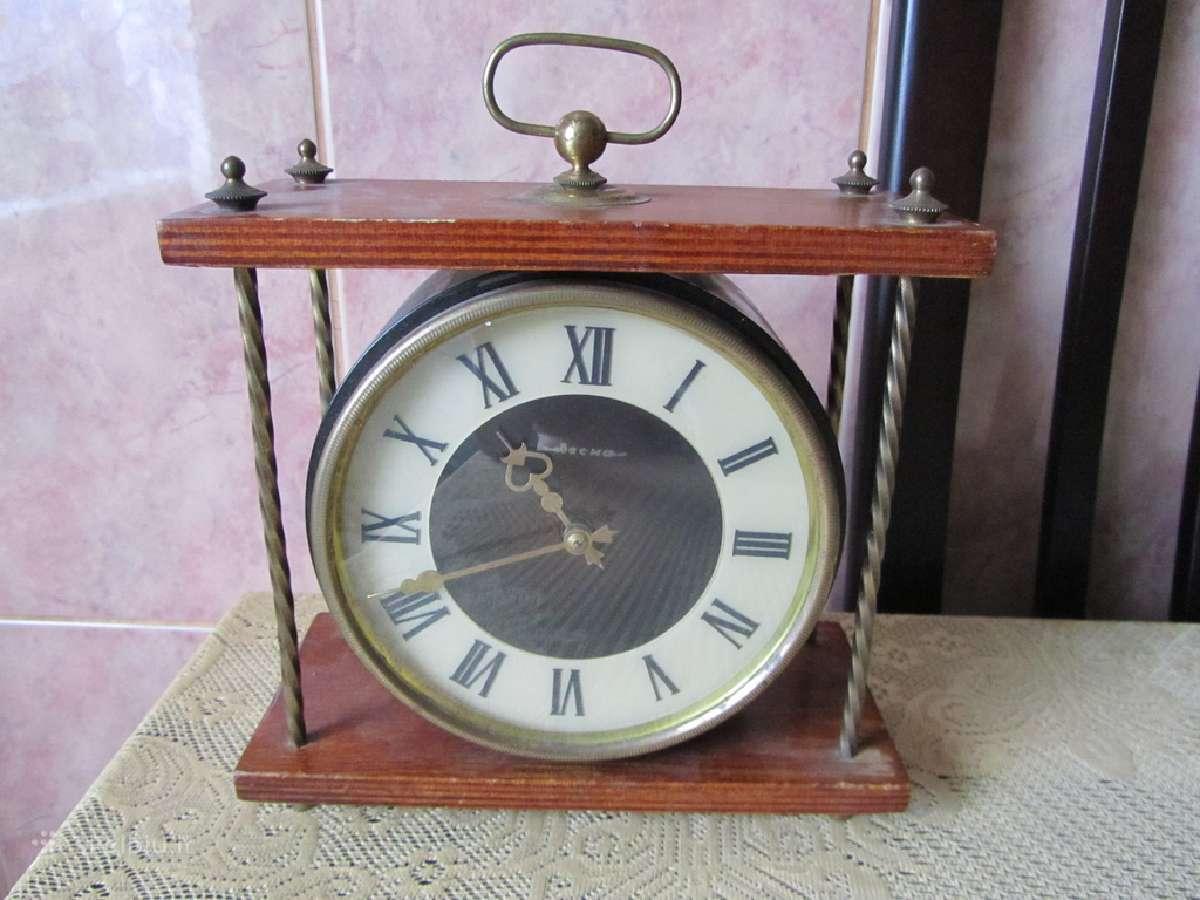 Laikrodis. .zr. foto.