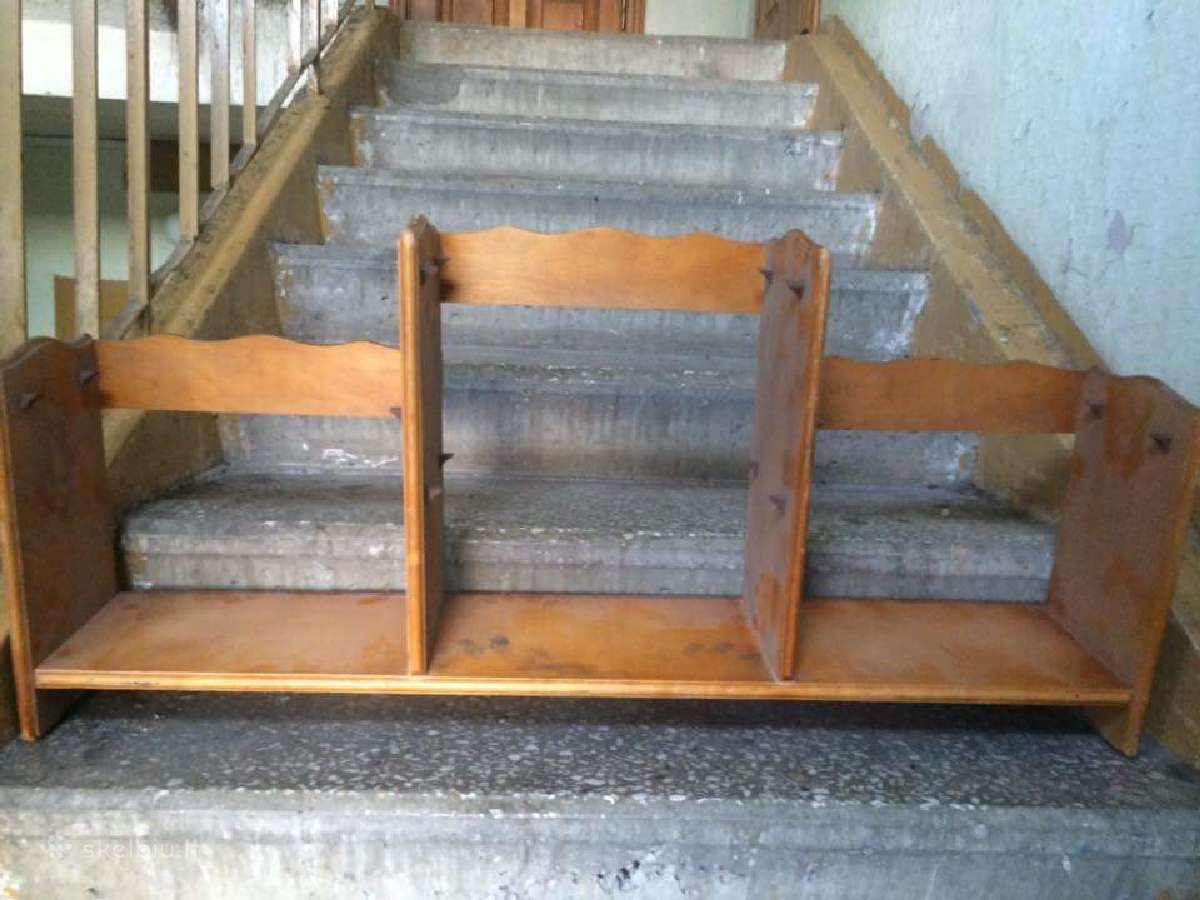 Parduodama natūralios medienos lentyna