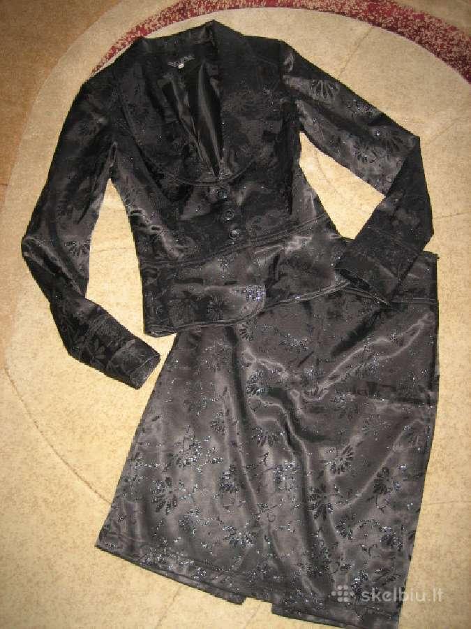 Puošnus juodas kostiumėlis