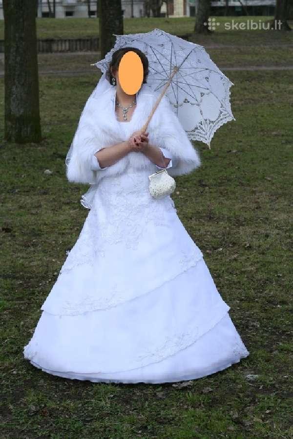 Lengva vestuvinė suknelė su neriniais be šleifo