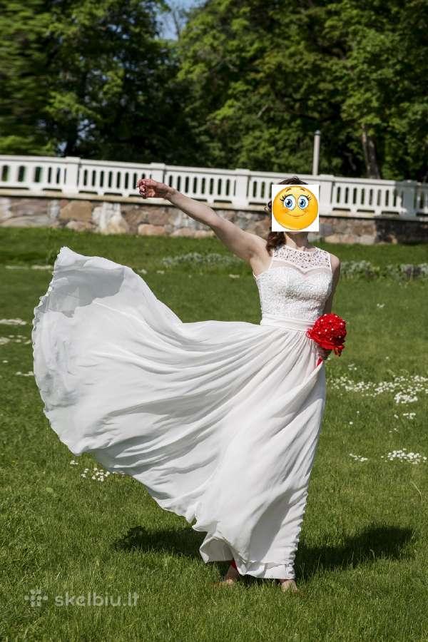 Vestuvinė suknelė puošta svarovskiais