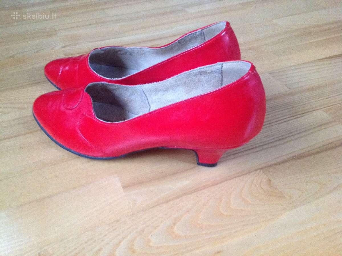 Bateliai moteriski raudoni