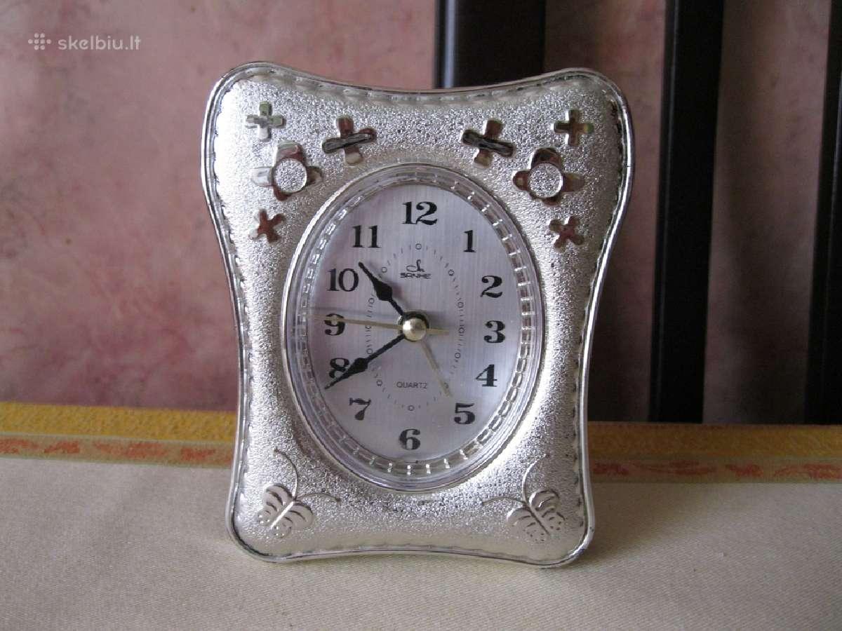 Laikrodis - budilnikas.zr. foto. = 2,-€