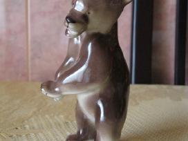 Porceliano statulele- kolekcijai ..zr. foto..