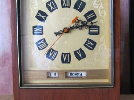 Stalo laikrodis..zr. foto..= 50,-