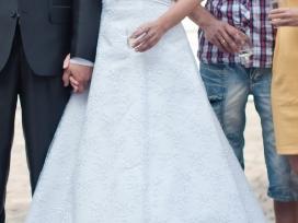 Balta, lengva, Aformos,siuvinėta vestuvinė suknele