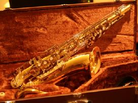 Saksofonai visiems altai,tenorai, sopranai.pigiai.