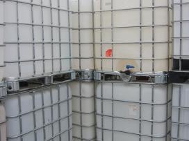 Parduodamos 1000 litru ibc talpos konteineriai