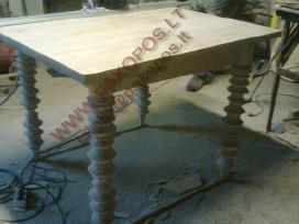 Gaminame stalus, kavos staliukus, baldus iš masyvo