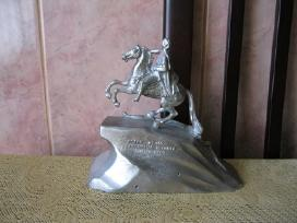 Metalo statulele..zr. foto..
