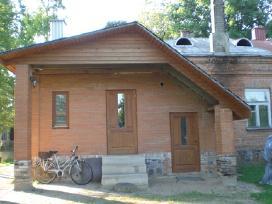Parduodama mūrinio namo dalis Vabalninke.