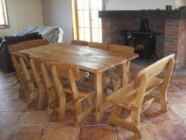 ažuolinis stalas su kėdėmis