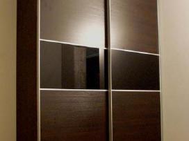 Stumdomu duru ir paprastos spintos