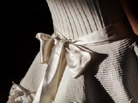 Parduodu Egidijaus Rainio vestuvinę suknelę