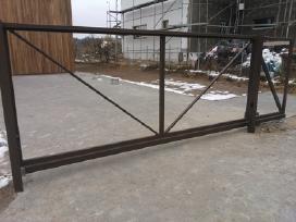 Stumdomų varstomų kiemo vartų gamyba