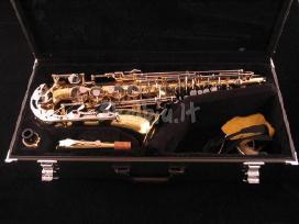Saksofonai altai tenorai sopranai pigiai.visiems