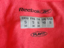 Sportui Nike marškinėliai ir Reebok treningas