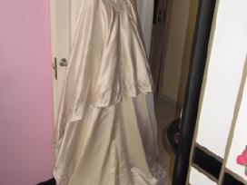 Parduodu iskirtinio grozio vestuvine suknele.