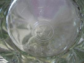 Stiklo Indas Is Ltsr .Zr. Foto .Be Defektu