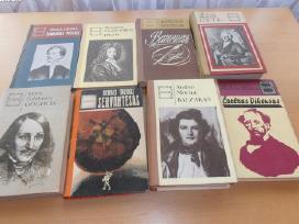 Serijos Siluetai knygos už patrauklią kainą!
