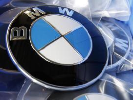 Bmw zenkliukas emblema ant kapoto ar bagazines