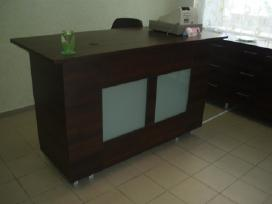 Išskirtiniai prekybiniai baldai pagal užsakymą