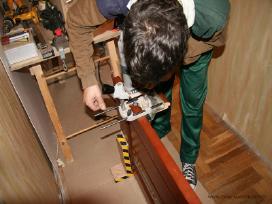 Vidaus durų montavimas, surinkimas, staliaus darba