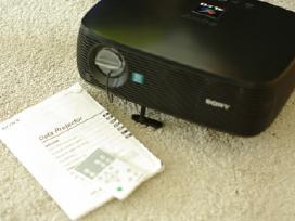 Projektorius Sony Vpl-es3 su distanciniu
