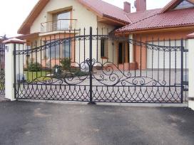 Kalviški darbai - vartai tvoros turėklai.