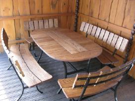 stalas 1,6x1 m. kaina komplekto 680 eur.