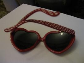 Savotiški akiniai