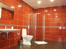Raudoni Apartamentai Zaliakalnyje