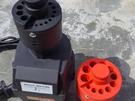 Grežimo staklės su spaustuvais grežimo įranga