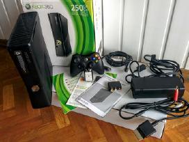 Xbox 360 250gb Slim atrištas, 30 žaid. Gta 5