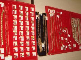Auksines ir sidabrinės grandineles ir pakabukai