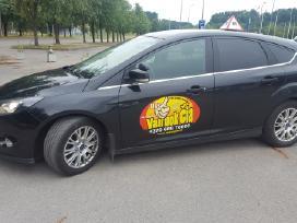 """Vairavimo Mokykla Vilniuje """"Vairuok Čia"""""""