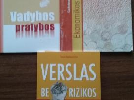 Parduodu mokslo knygas