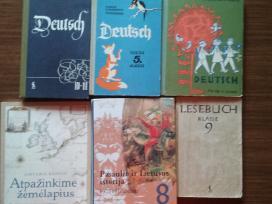 Parduodu įvairias knygas
