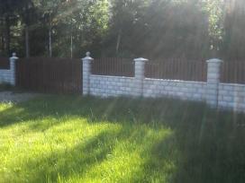 Pamatu įrengimas tvoros mūras