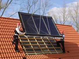 Saulės kolektoriai vandens šildytuvai