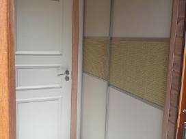 Spintos-stumdomos durys-drabužinės-komodos