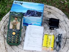 Telefonas P242 (nebijo smūgių, drėgmės, dulkių)