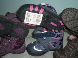 Nauji batai mergitei