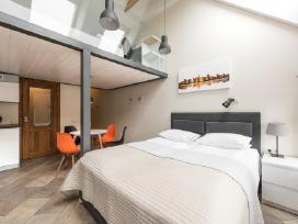 Nauji Stilingi Apartamentai prie Akropolio, Centre