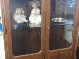 Pietu stalas,antikvarine spinta,bronzos sviestuvas