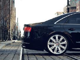 Superkame automobilius.