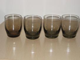 4 tarybinės taurelės